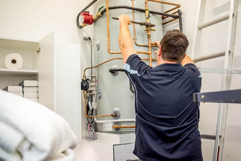 DYLSAL hot water system service